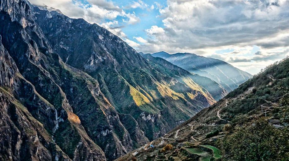 Garganta del Salto del Tigre en Yunnan