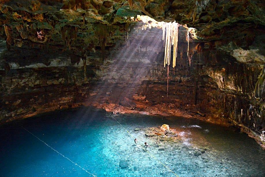 Cenote Maya en México