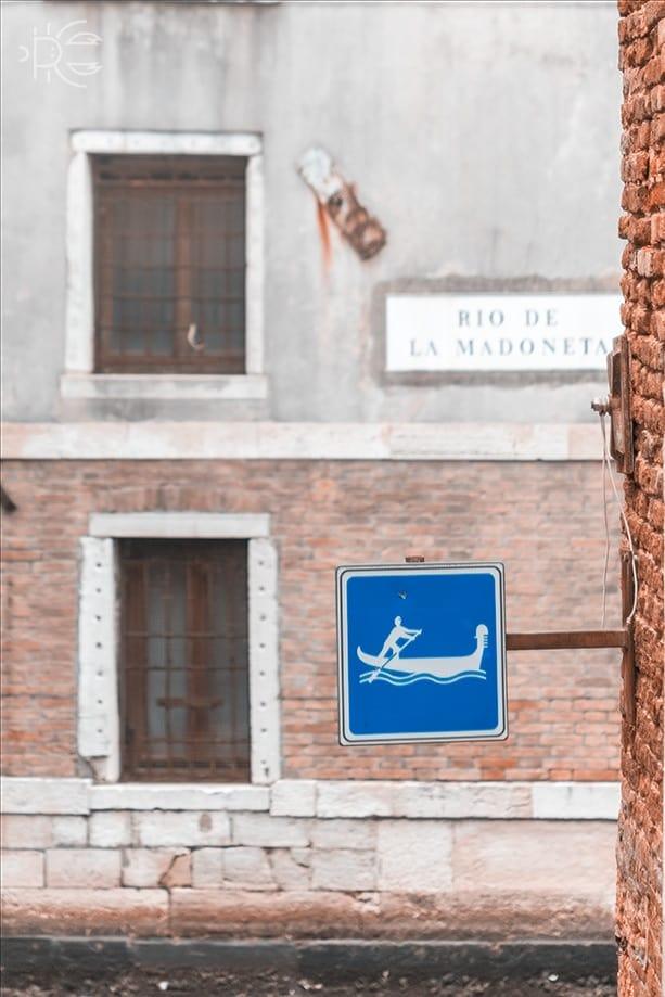 Señales en Venecia