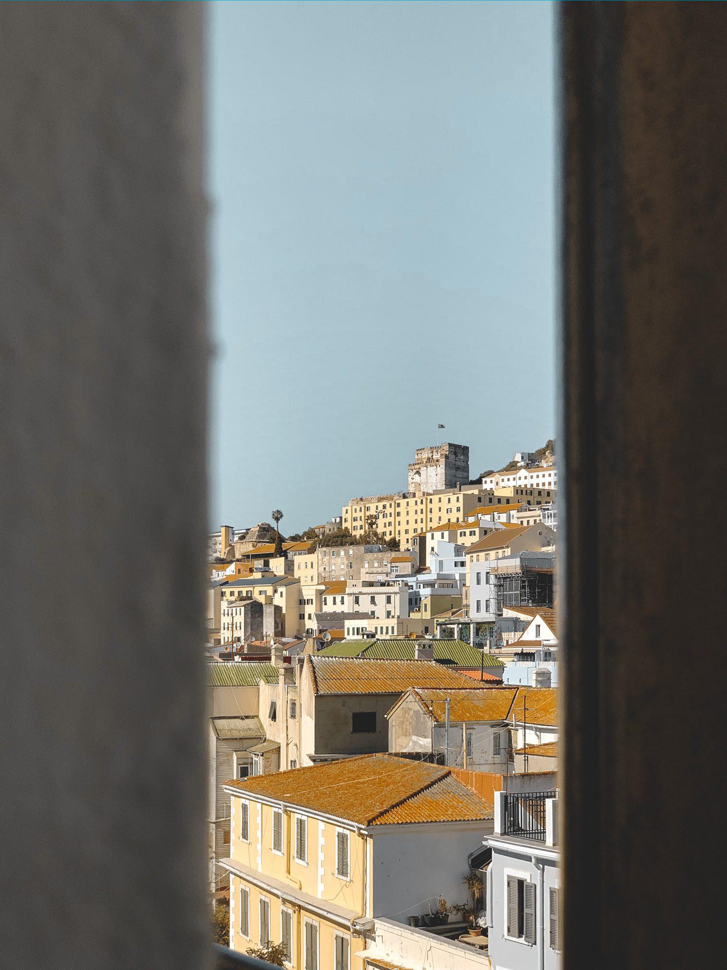 funicular Gibraltar | Rojo Cangrejo Blog de Viajes